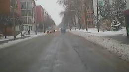 Babakocsival szelte az utat