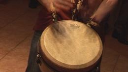 Törzsi zenék szemeteskukára