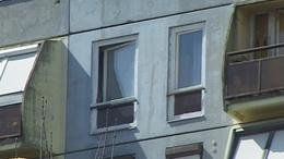 Halálba zuhant a férfi a tizedik emeletről Kaposváron