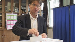 Prukner László betalált az urnába