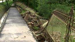 Vasutat, kerítést és hidat rombolt a víz a Somogy megyei Andocson