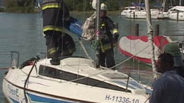 Megégett egy férfi a vitorlásán a balatonföldvári kikötőben