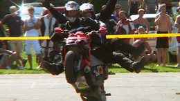 Milliós motorok, stunt riding, buli