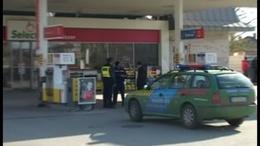 Rablás a benzinkúton