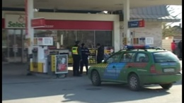 Kiraboltak egy benzinkutat Siófokon