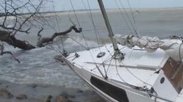 Hatalmas vihar - 300 embert mentettek a Balatonból