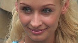 Férjhez megy a szerdahelyi Paris Hilton