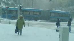 Elakadt a busz egy kaposvári kereszteződésben