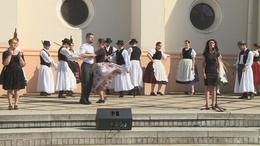 Ünnepi műsorral emlékeztek meg államalapításunkra a Kossuth téren
